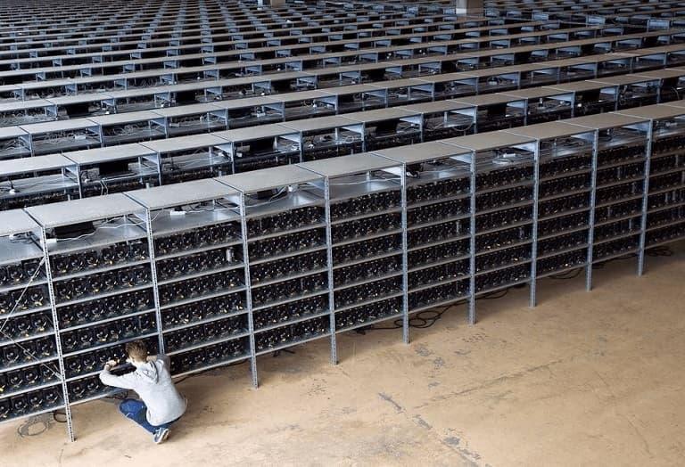 kopanie bitcoina farma wydobywająca